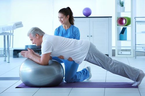 Three benefits of preparing for surgery naturally with physical therapy