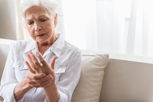 What are the best treatment options for arthritis in the hands?
